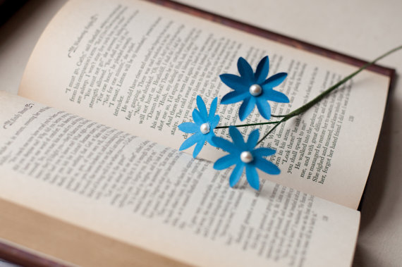 forget me not via 7 Paper Flower Bouquets to Pick for Weddings