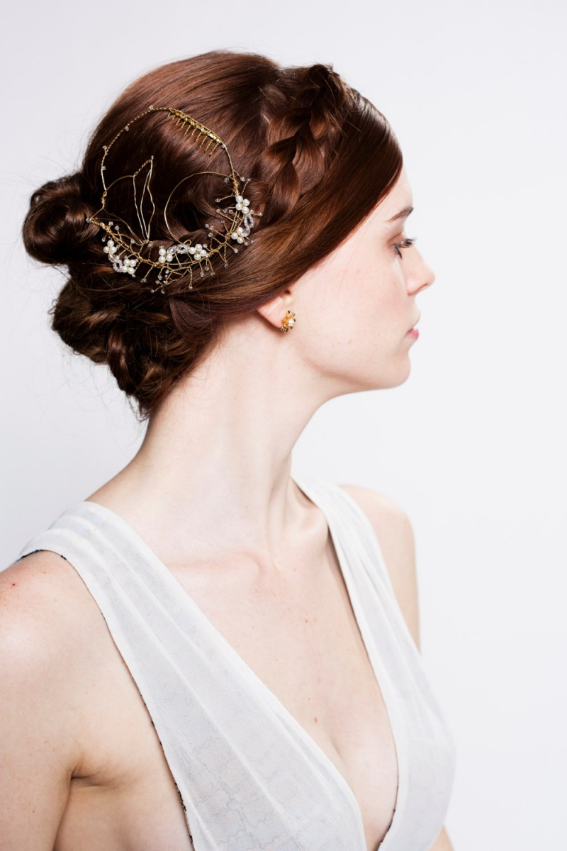 fox inspired bridal headpiece by untamedbridal | Fox Ideas Weddings via http://emmalinebride.com/rustic/fox-ideas-weddings/