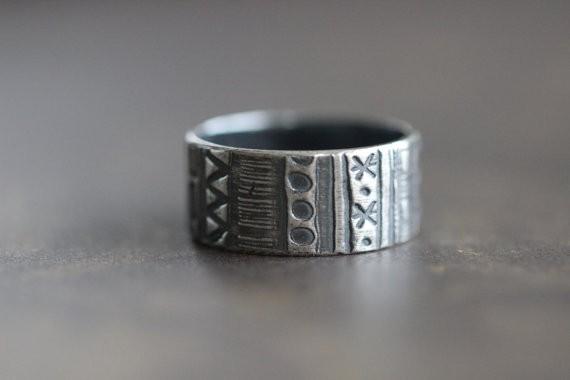 geometric ring | handmade wedding bands | http://emmalinebride.com/jewelry/handmade-wedding-bands/