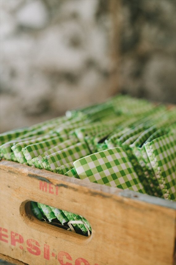 barn wedding ideas - gingham beer cozies (photo: jeff loves jessica)