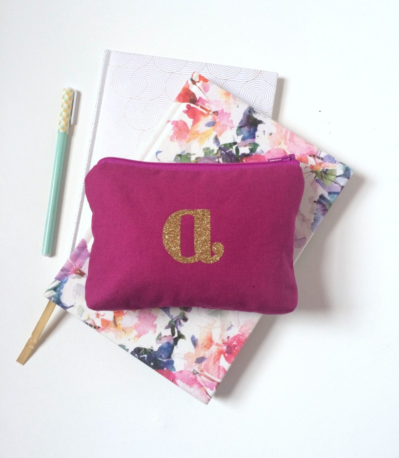 glitter letter makeup bag | Bridesmaid Makeup Cases http://emmalinebride.com/gifts/bridesmaid-makeup-cases/