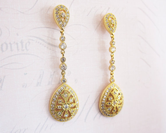 Gold bridal art deco style earrings | vintage bridal earrings | https://emmalinebride.com/bride/vintage-inspired-bridal-earrings