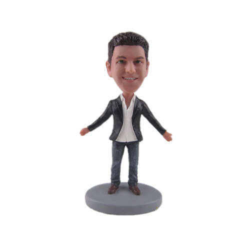 groomsmen bobblehead | 50 Most Unique Groomsmen Gifts | via http://emmalinebride.com/groom/unique-groomsmen-gifts-2015/