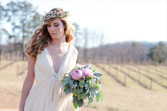 hair crown bride - 3 Tips for Wearing a Hair Crown (photo: eric kelley)