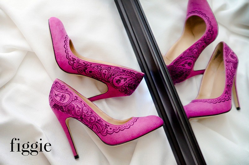 Handpainted fuchsia suede pumps | via 31 Best Handmade Wedding Shoes https://emmalinebride.com/bride/handmade-wedding-shoes/