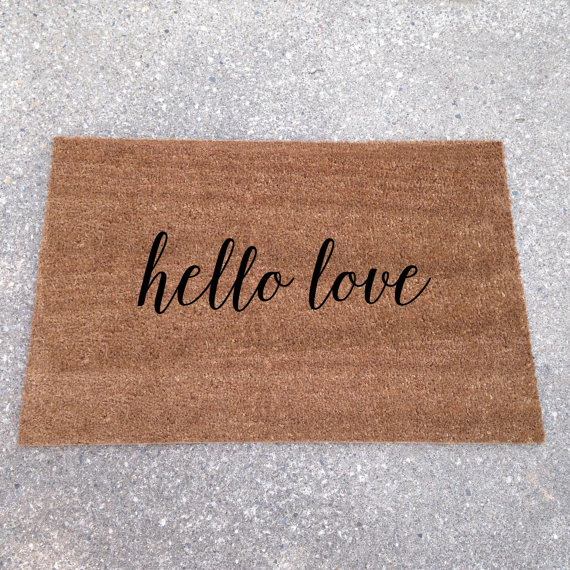 hello love doormat - custom doormats etsy collection from LoRustique | https://emmalinebride.com/gifts/custom-doormats-etsy/
