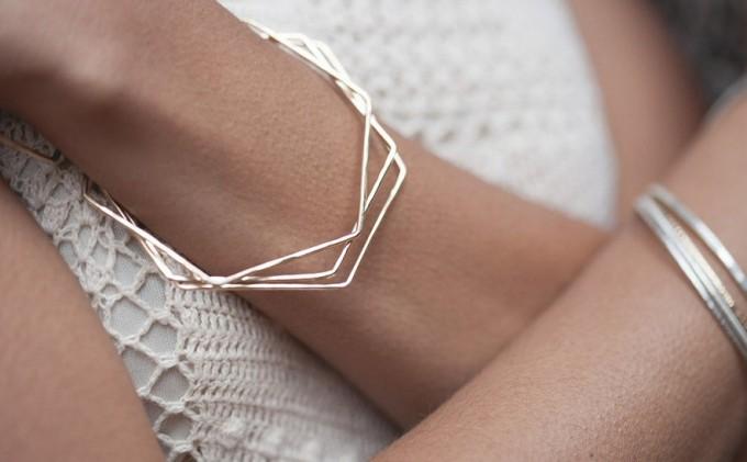 Bangle bracelets gold by Andrea Bonelli Jewelry | http://emmalinebride.com/2015-giveaway/bangle-bracelets-gold/
