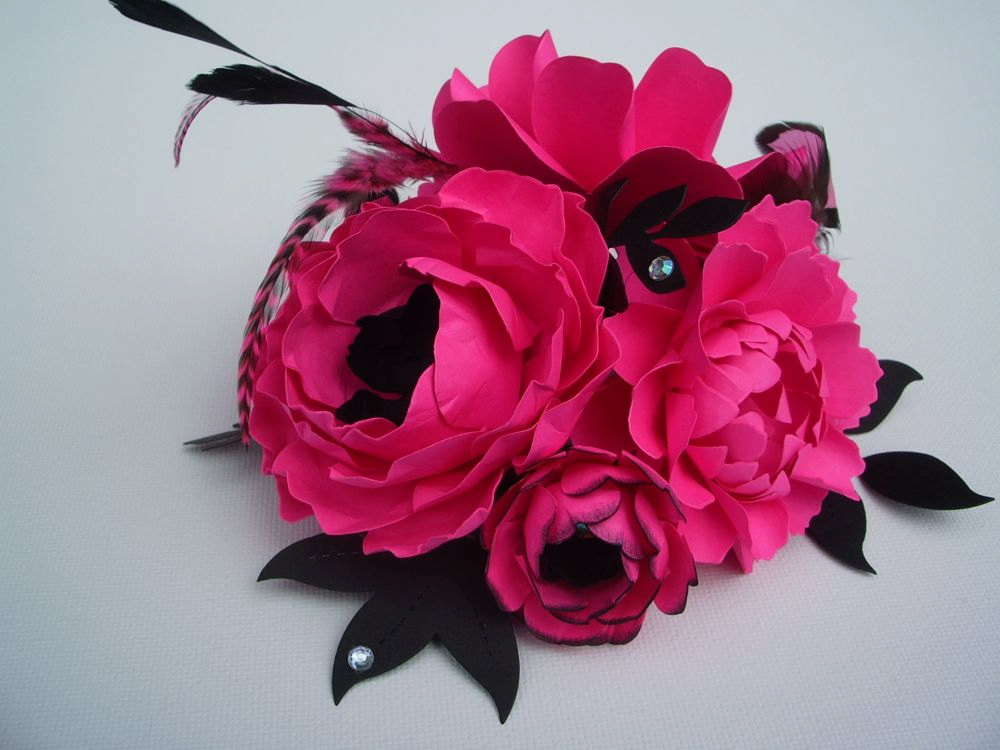 hot pink flower centerpiece by paper and peony | fun bachelorette party ideas | http://emmalinebride.com/planning/fun-bachelorette-party-ideas/