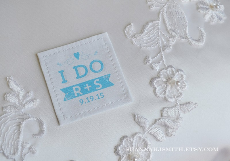i do tie patch | via 10 NEW Something Blue Ideas | https://emmalinebride.com/bride/new-something-blue/