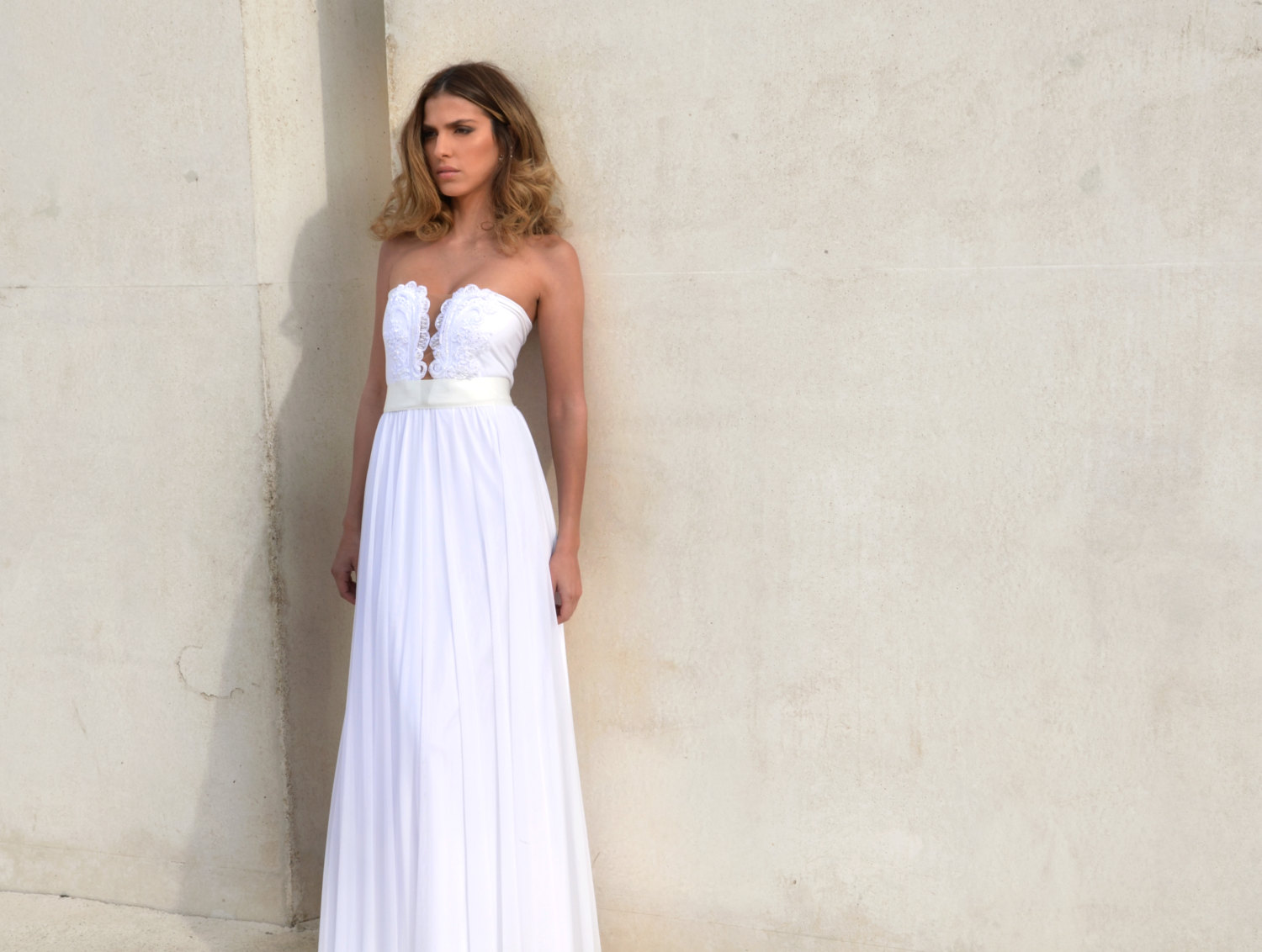 strapless boho wedding dress | dresses boho weddings https://emmalinebride.com/bridal-gowns/dresses-boho-weddings/