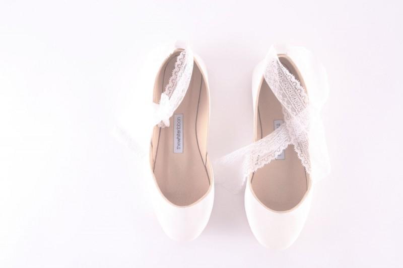 leather white ballet flats | via 31 Best Handmade Wedding Shoes https://emmalinebride.com/bride/handmade-wedding-shoes/