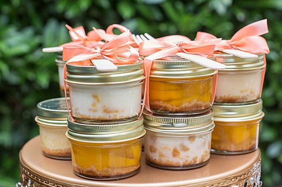 little pies in jars by customlovegifts | via favor ideas weddings https://emmalinebride.com/favors/favor-ideas-weddings/