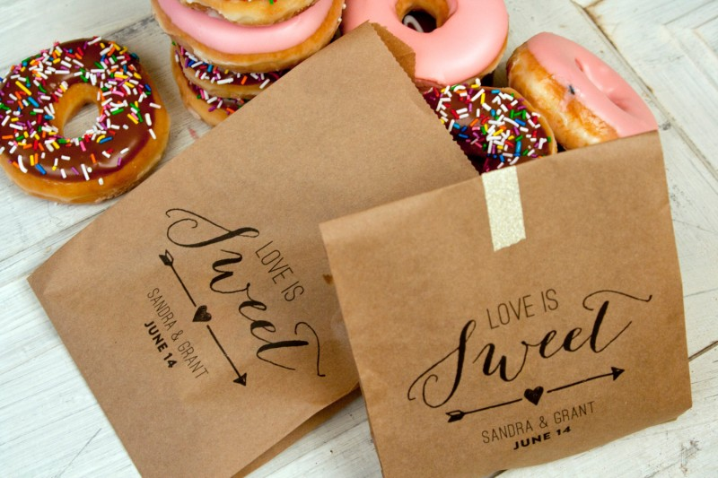 Love Is Sweet Kraft Paper Favor Bags by Mavora
