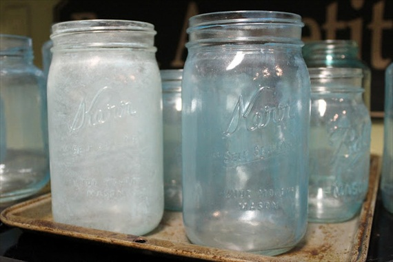 How to Make Mason Jars Look Old - cloudy / paint