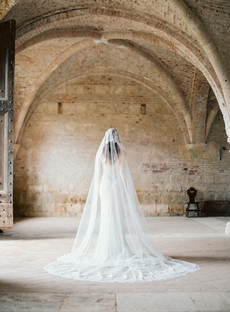 mantilla floral length wedding veil | mantilla veils weddings | by SIBO Designs | Photo: Brumley & Wells