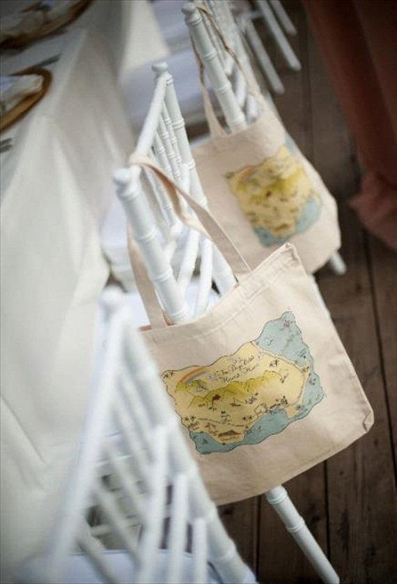 map tote bag french country (by Laura Hooper Calligraphy via 3 New Wedding Finds on Emmaline Bride)