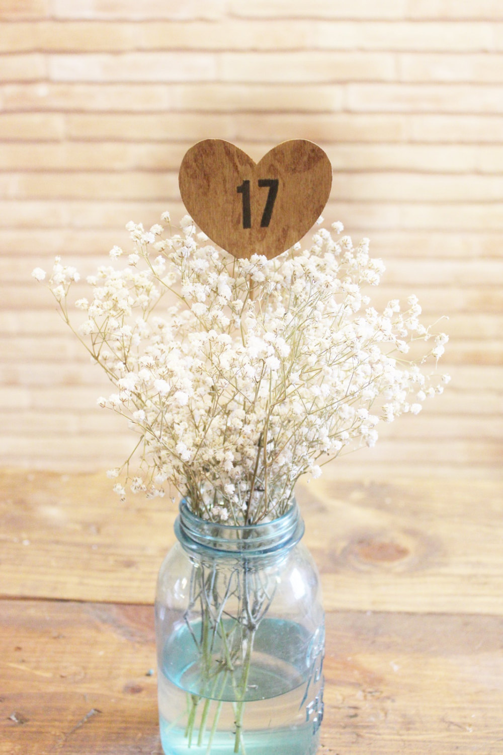 mason-jar-babys-breath-table-number