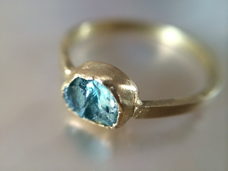stunning blue engagement ring | something blue ideas for bride - http://emmalinebride.com/planning/something-blue-ideas-for-bride/