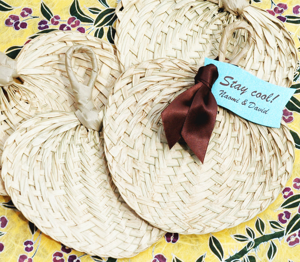 mini palm woven fans by white tulip boutique | via decorate for beach wedding ideas from emmalinebride.com