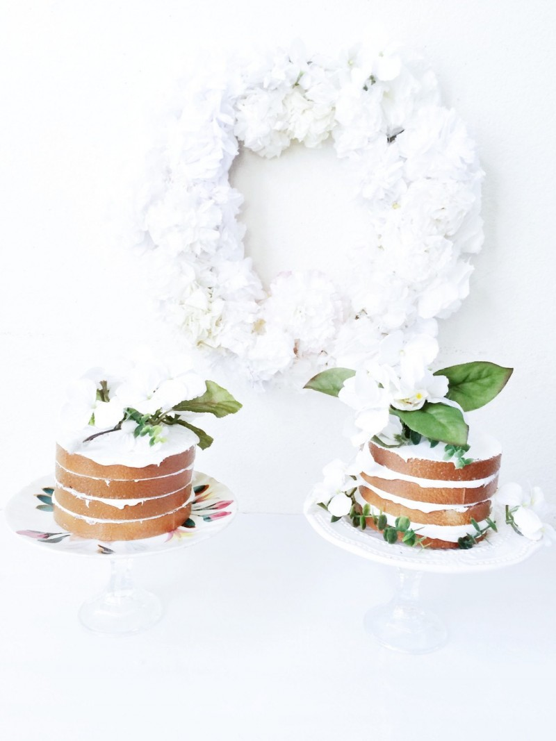 fake wedding cakes | via https://emmalinebride.com/reception/fake-wedding-cakes-look-real/
