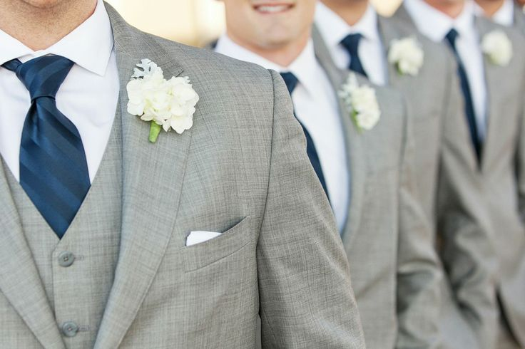 navy blue and white groomsmen | photo by hampton morrow photography | via https://emmalinebride.com/decor/navy-and-white-wedding-ideas/ | from 21 Navy and White Wedding Ideas