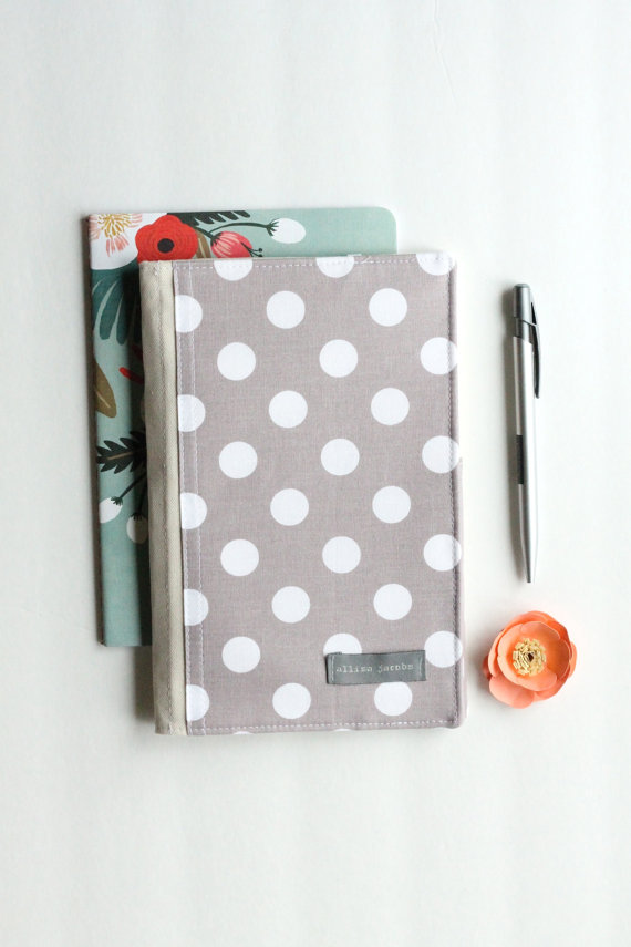 notepad organizer in polka dot | via polka dot wedding ideas http://emmalinebride.com/themes/polka-dot-wedding-ideas-handmade/