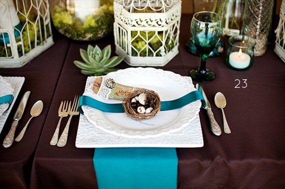 25+ Stylish Peacock Wedding Ideas - table decor