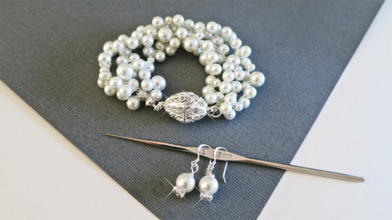 pearl rhinestone bracelet and earrings
