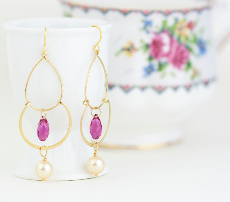 pink gold earrings with pearls | by jacaranda designs | http://emmalinebride.com/bride/pearl-earrings-bride/ | pearl earrings bride