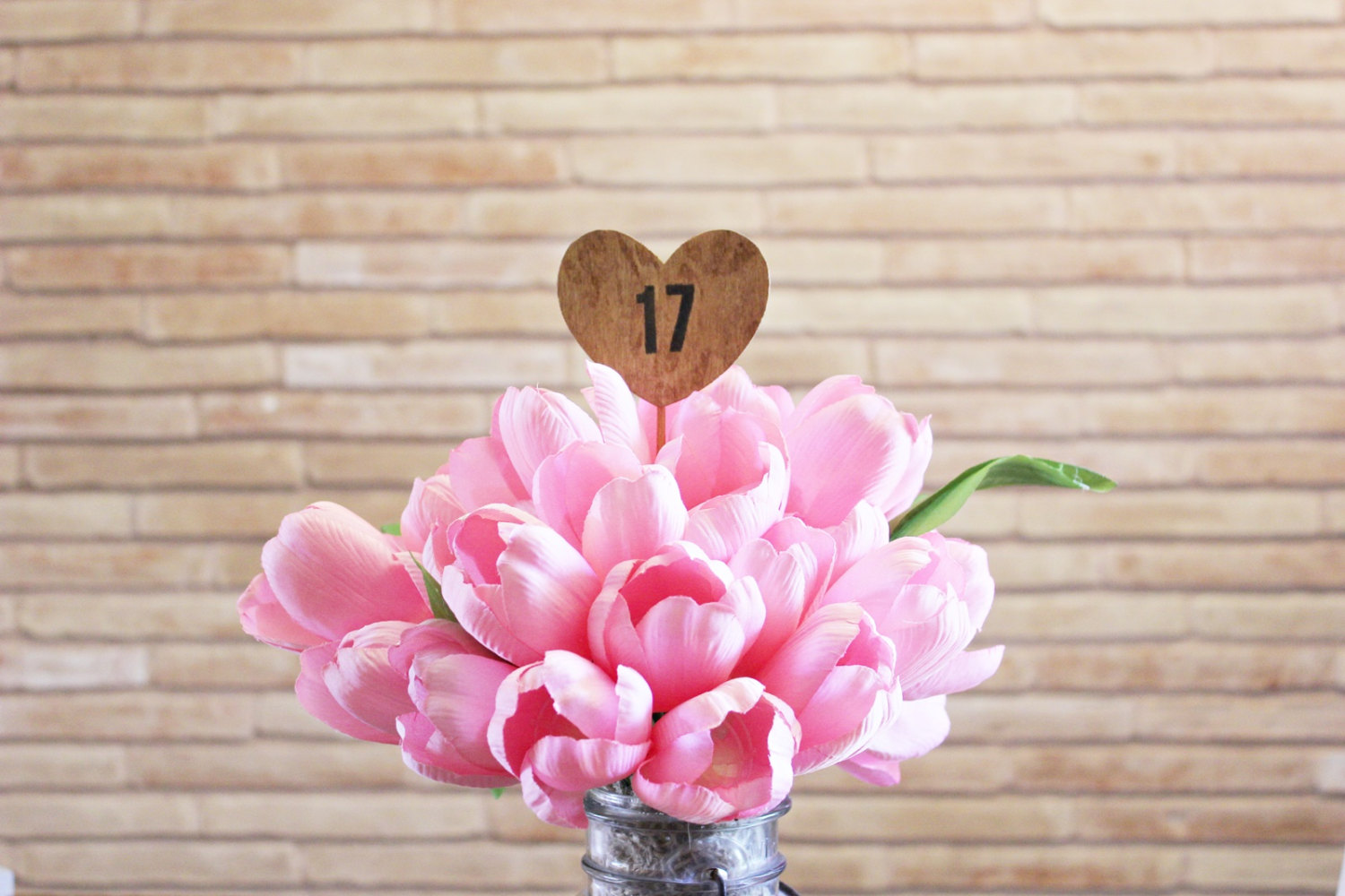 pink-tulips-heart-table-numbers