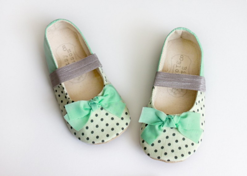 black and white and mint polka dot shoes | handmade flower girl shoes via https://emmalinebride.com/spring/handmade-flower-girl-shoes/