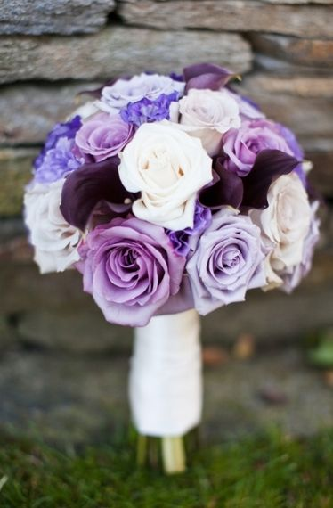purple rose bouquet - photo: marissa rodriguez | rose bouquets weddings via https://emmalinebride.com/bouquets/rose-bouquets-weddings/