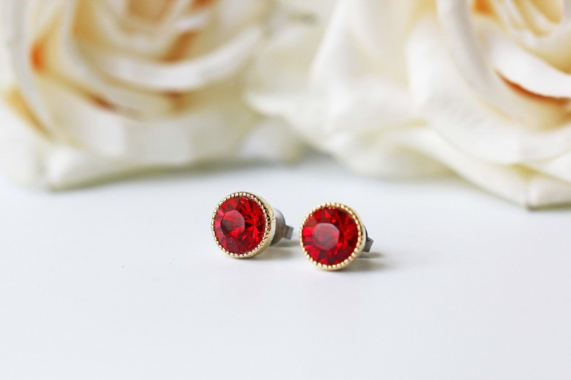 tiny garnet earrings by kaorikaori | via emmalinebride.com | valentine jewelry etsy