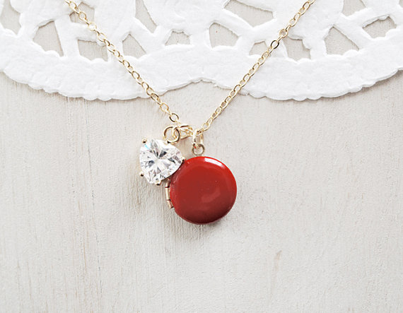 20 Valentines Day Gift Ideas - red locket