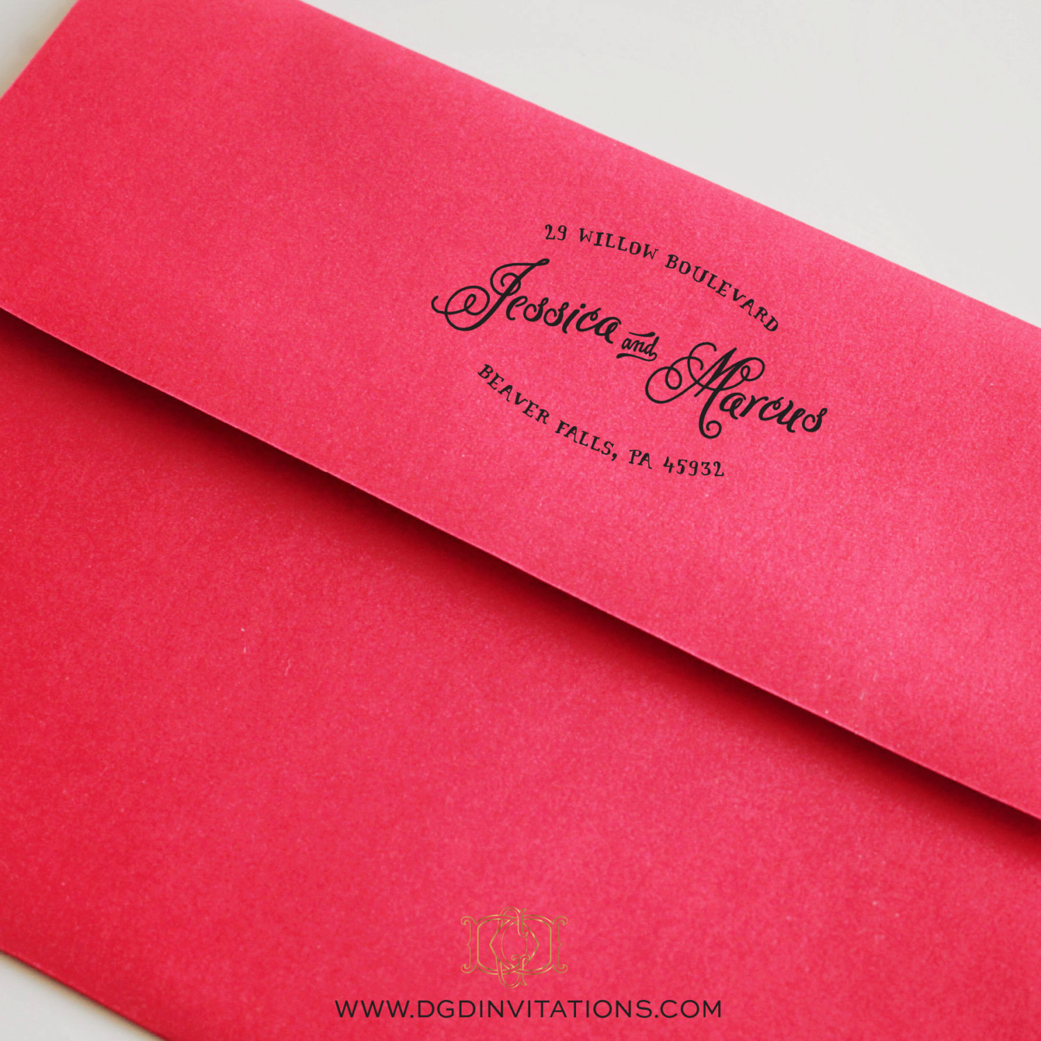 Custom Address Stamp Weddings | by Diva Gone Domestic | http://emmalinebride.com/2015-giveaway/custom-address-stamp-weddings/