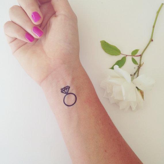 ring tattoo