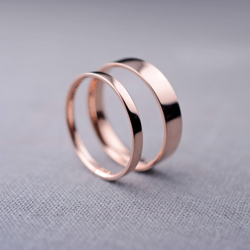 rose gold wedding ring bands set | Rose Gold Wedding Ideas via http://emmalinebride.com/planning/rose-gold-wedding-ideas/