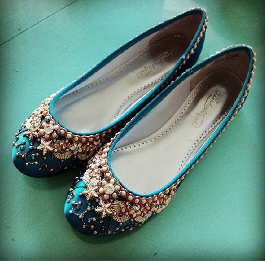 sea inspired beach wedding flats | via 31 Best Handmade Wedding Shoes https://emmalinebride.com/bride/handmade-wedding-shoes/