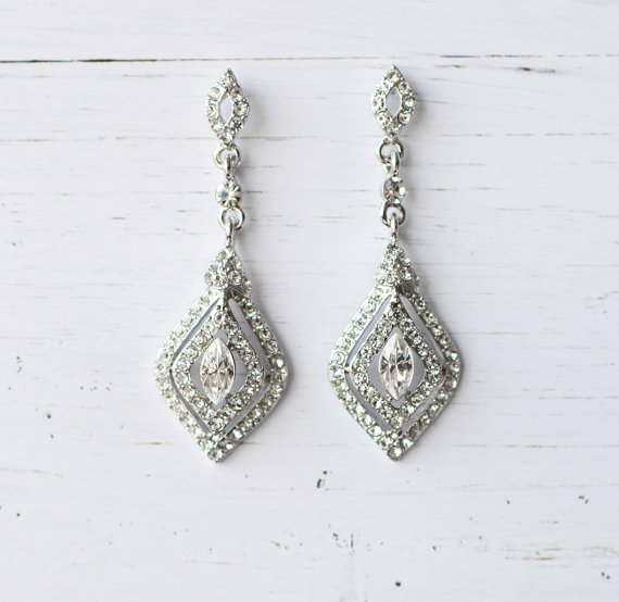 Silver diamond shape earrings | vintage bridal earrings | https://emmalinebride.com/bride/vintage-inspired-bridal-earrings