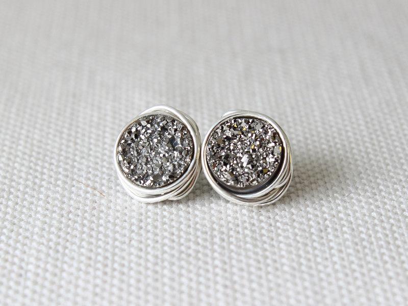 druzy earrings etsy find - from Davie and Chiyo - via https://emmalinebride.com/bridesmaids/druzy-earrings-etsy/