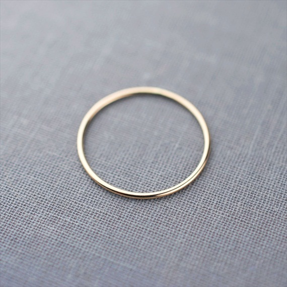 Recycled Wedding Rings: skinny wedding ring 1mm size