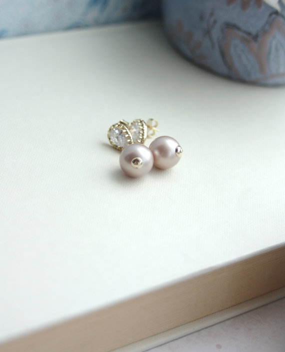 sparkly-pearl-earrings-photo