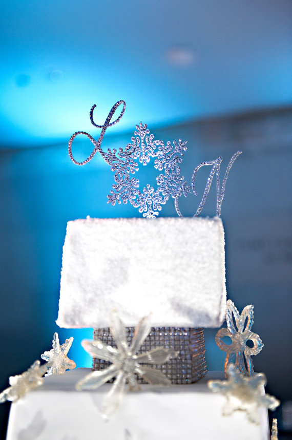 sparkly winter wedding ideas - rhinestone cake topper