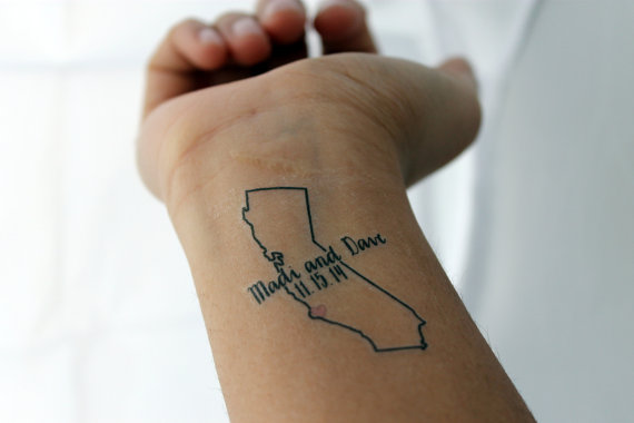 state temporary tattoos via 25 State Ideas That Will Make Your Big Day More Awesome
