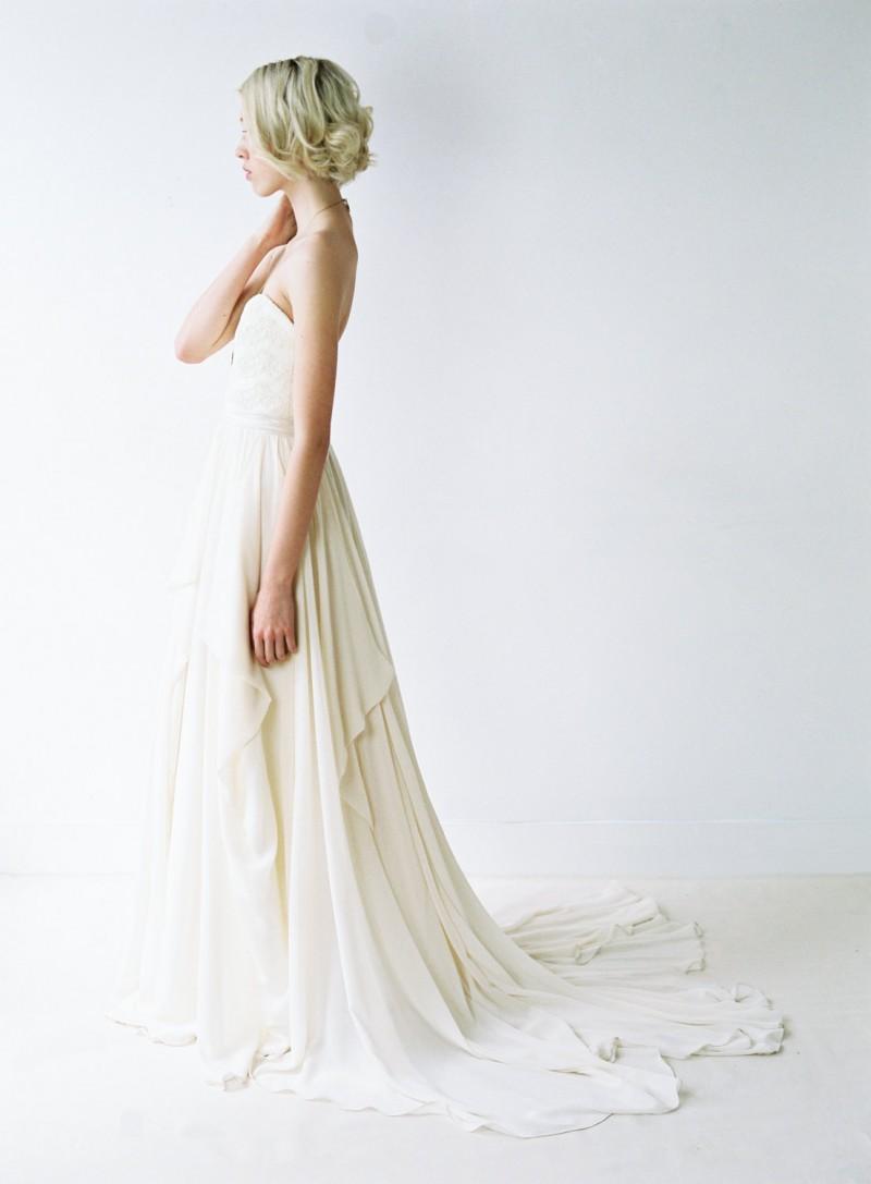 Romantic Chiffon Wedding Gown | https://emmalinebride.com/bride/romantic-chiffon-wedding-gown