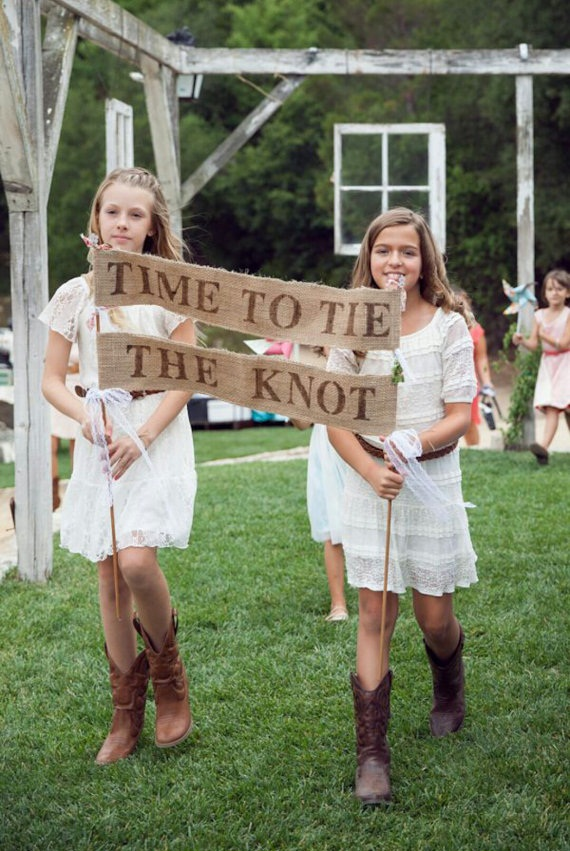 time to tie the knot banner for ceremony | 50 Best Burlap Wedding Ideas | via http://emmalinebride.com/decor/burlap-wedding-ideas/