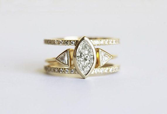trillion diamond engagement ring set | Best Engagement Rings Etsy | via http://emmalinebride.com/jewelry/40-best-handmade-rings-ever/ ‎