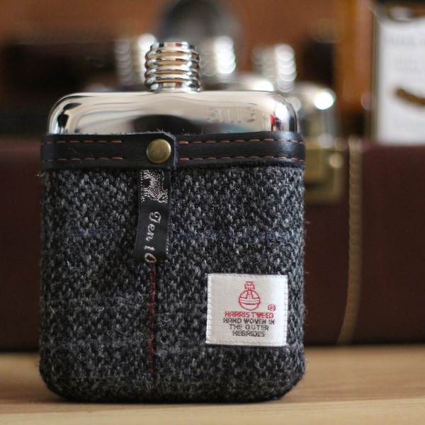 tweed pouch groomsmen flasks | https://emmalinebride.com/groomsmen/groomsmen-flasks-swig/