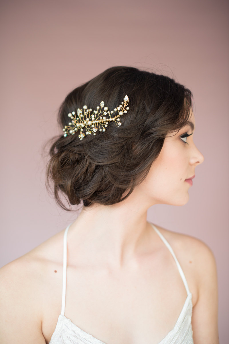 twig hair accessory by blair nadeau millinery, photo: whitney heard | Nature Inspired Wedding Ideas | http://wp.me/p1g0if-x0y