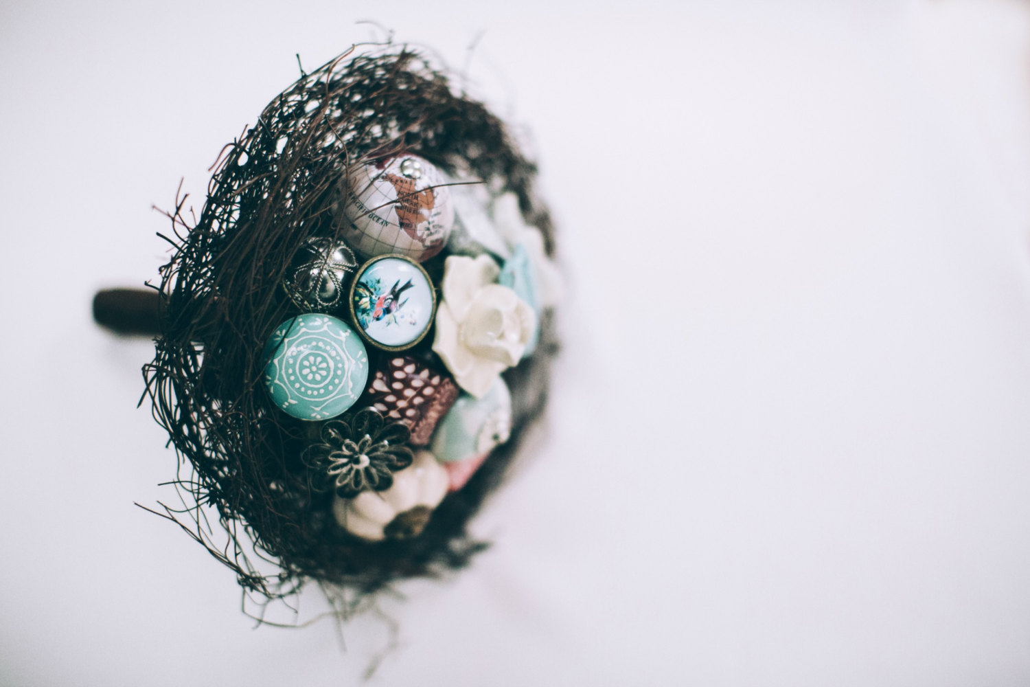 twig inspired bouquet by i heart buttons, photo: pippa brown | Nature Inspired Wedding Ideas | http://wp.me/p1g0if-x0y